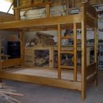 Cama-de-madera-de-ciprés