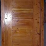 Puerta con Vidrio Superior en Ciprés