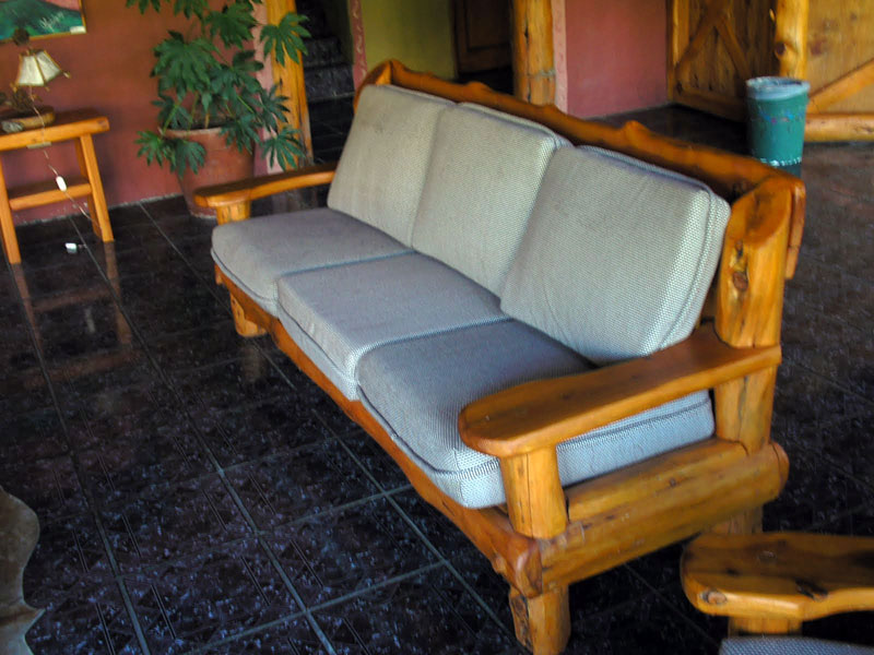 Galer a de fotos muebles artesanales y carpinter a for Sillones rusticos